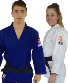 judopak pakket Lion 750 Authentic wit en judopak Lion 750 Authentic wit en blauw